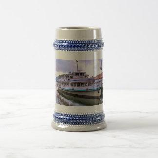 Suiza, barco turístico, viaje suizo jarra de cerveza