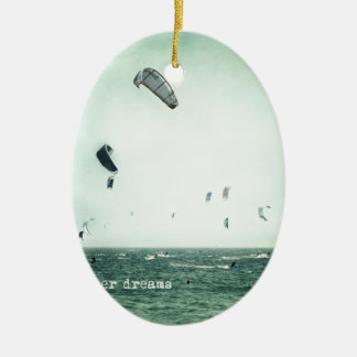 Summer dreams. Kite surf Adorno Navideño Ovalado De Cerámica