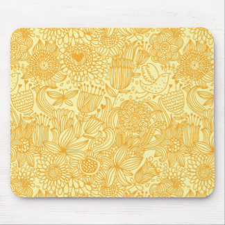 Summer floral pattern in warm colors mouse pad