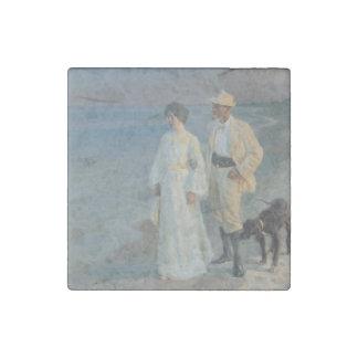 Summeraften ved Skagens que caminaba en la playa Imán De Piedra