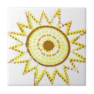 Sun amarillo en recorte del Grunge de las luces Azulejo Cuadrado Pequeño
