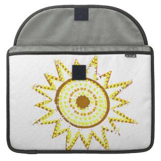 Sun amarillo en recorte del Grunge de las luces Fundas Macbook Pro