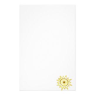 Sun amarillo en recorte del Grunge de las luces Papeleria De Diseño