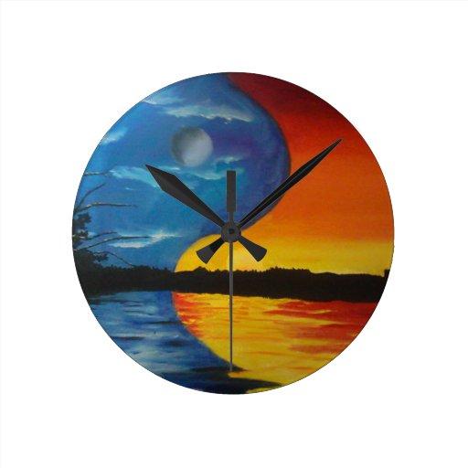 Sun and moon yin yang clock
