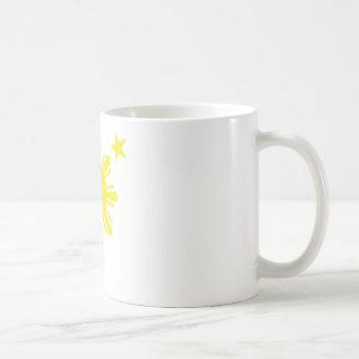 Sun básico filipino y estrellas - amarillo tazas de café