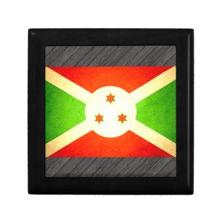 Sun besó la bandera de Burundi Cajas De Recuerdo