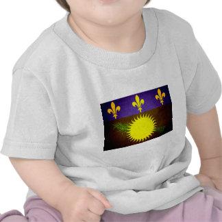Sun besó la bandera de Guadalupe Camiseta