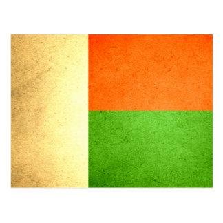 Sun besó la bandera de Madagascar Postales