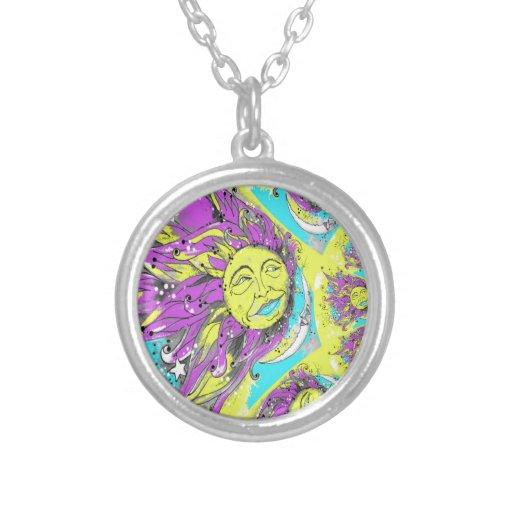 Sun brillante y diseño púrpuras y amarillos de la  joyería