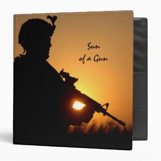 """Sun de un militar del arma carpeta 1 1/2"""""""