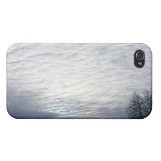 Sun detrás de las nubes iPhone 4 cobertura