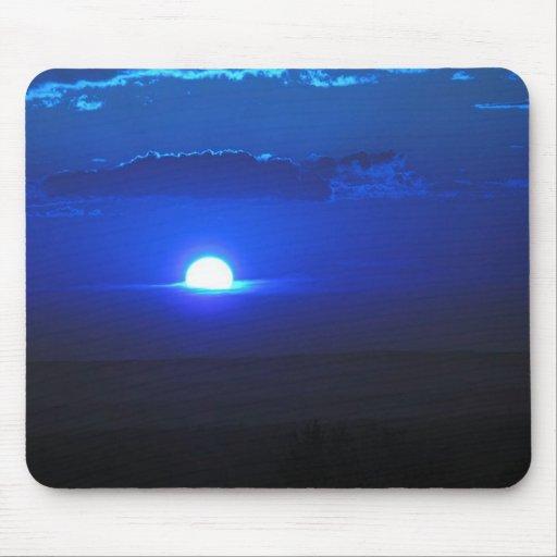 Sun en las nubes (azules) alfombrillas de raton