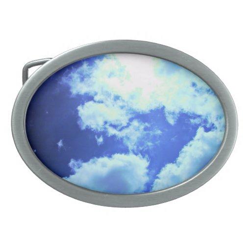 Sun enciende para arriba las nubes hebilla de cinturon oval