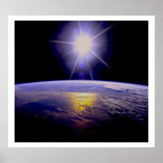 Sun estalló sobre la tierra posters