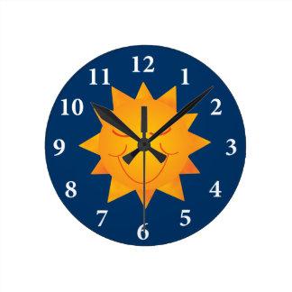 Sun feliz reloj redondo mediano