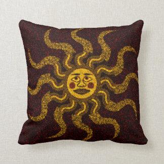 Sun hace frente a la almohada de tiro decorativa