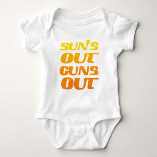 Sun hacia fuera dispara contra hacia fuera aptitud camisas