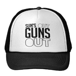 Sun hacia fuera dispara contra hacia fuera gorra