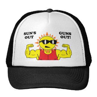 Sun hacia fuera dispara contra hacia fuera gorras de camionero