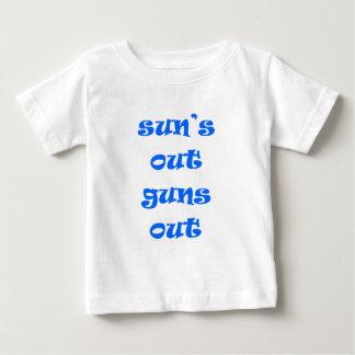 ¡Sun hacia fuera dispara contra hacia fuera! Playera De Bebé