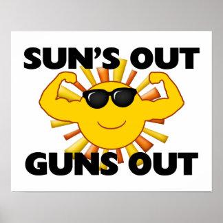Sun hacia fuera dispara contra hacia fuera póster