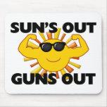 Sun hacia fuera dispara contra hacia fuera tapete de ratones