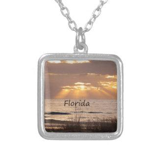 Sun irradia la puesta del sol de la Florida Colgante Cuadrado
