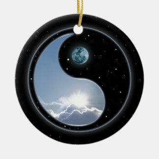 Sun-Luna Yin-Yang Adorno Redondo De Cerámica