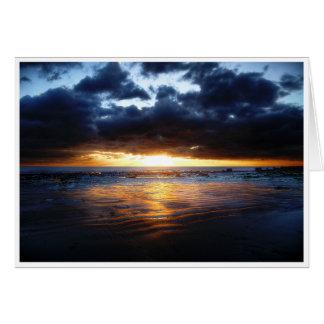 Sun, mar y arena tarjeta de felicitación