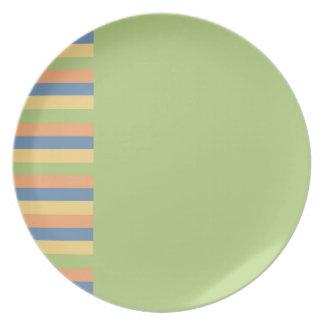 Sun mojó verde con colores rayados plato de comida