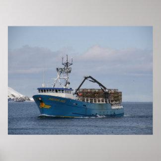 Sun pacífico, barco del cangrejo en el puerto hola póster