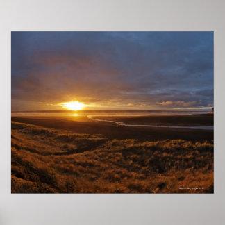 Sun que fija sobre el mar de Tasman y Piha varan,  Impresiones