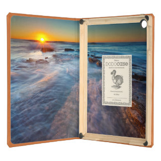 Sun rays illuminate the Pacific Ocean Cover For iPad Air