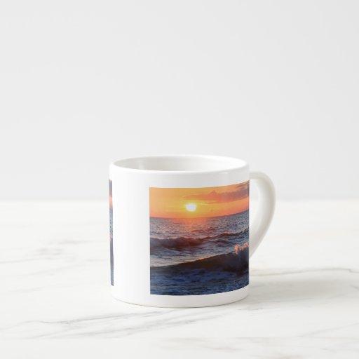 Sun, resaca, y ondas tazas espresso