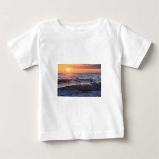 Sun, resaca, y ondas tshirts