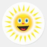 Sun sonriente etiqueta redonda