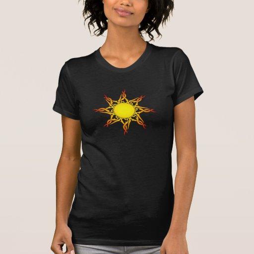 Sun tribal camisetas