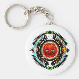 Sun y dibujo del tatuaje de las estrellas llavero redondo tipo pin