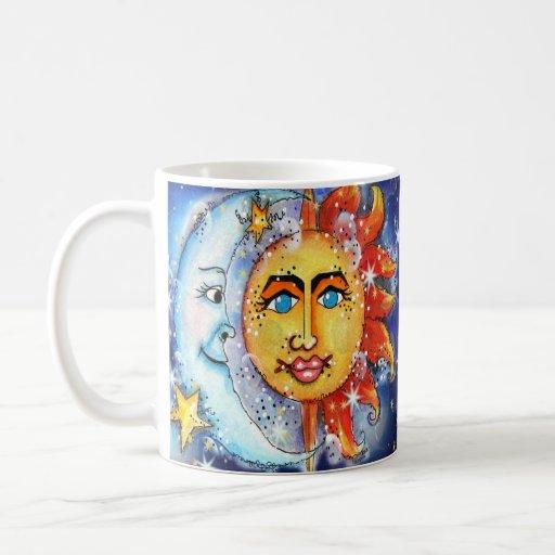 Sun y diseño celestiales de la luna taza de café