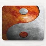 Sun y luna Yin y símbolo de Yang Tapete De Raton