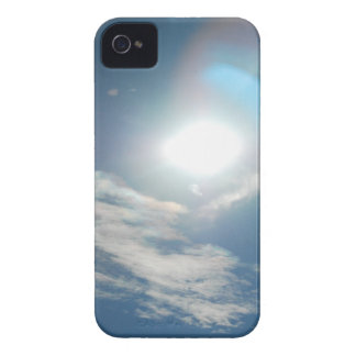 Sun y nubes iPhone 4 protectores