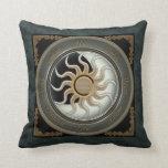Sun y rueda del Pagan de la luna Cojin