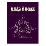 Sun y un libro postales