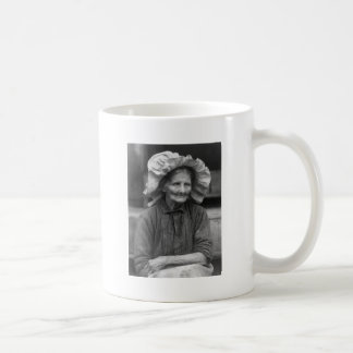 Sunbonnet Style, 1930 Mugs