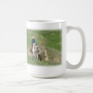 Sundance corre: Pinte el caballo y al vaquero Taza Clásica