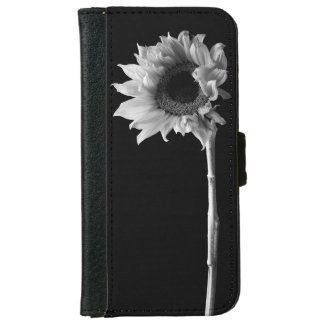 Sunflower - Black and White Photograph iPhone 6/6s Wallet Case