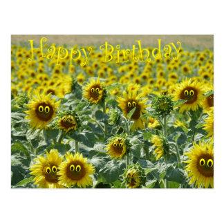 Sunnies del cumpleaños tarjeta postal