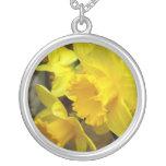 Sunny Petals Round Pendant Necklace