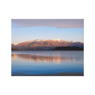 Sunrise on Lake Wanaka, New Zealand Canvas Print