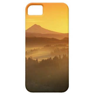 Sunrise orange colours the fog in the valley in iPhone SE/5/5s case
